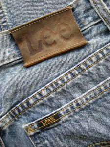 675px-Lee_jeans